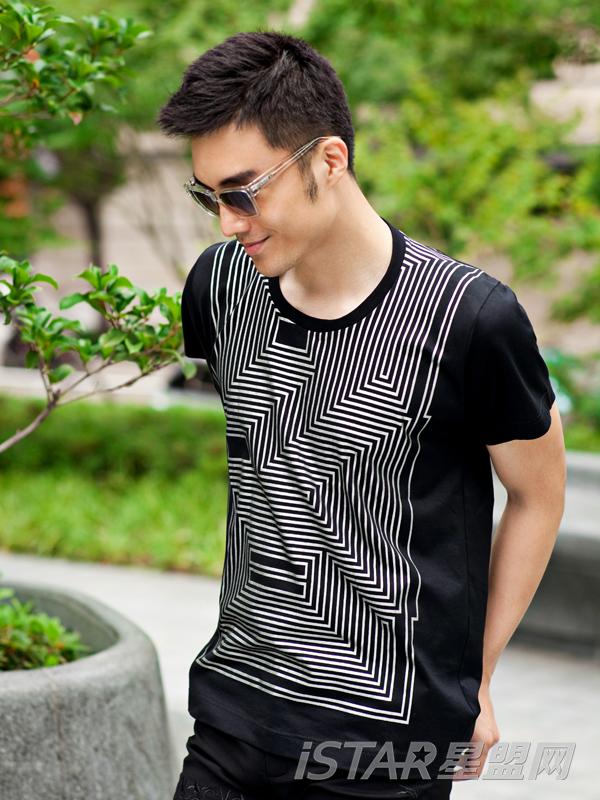 个性几何图形休闲短袖T恤