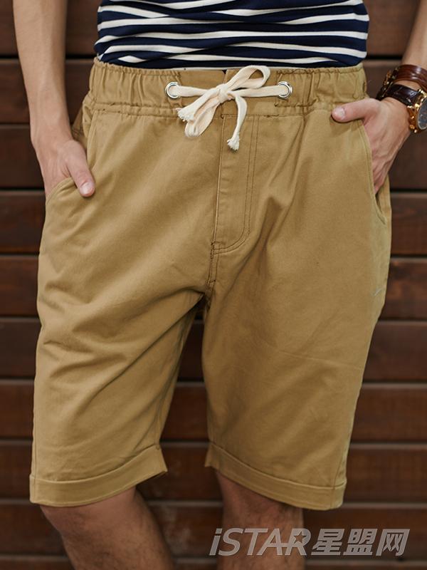 经典卡其色男士休闲短裤