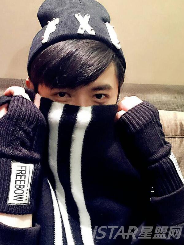 黑色露指手套