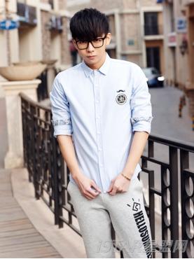清新牛仔蓝长袖衬衫