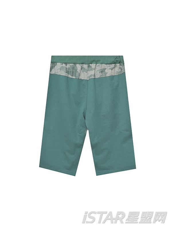 军绿色迷彩休闲短裤