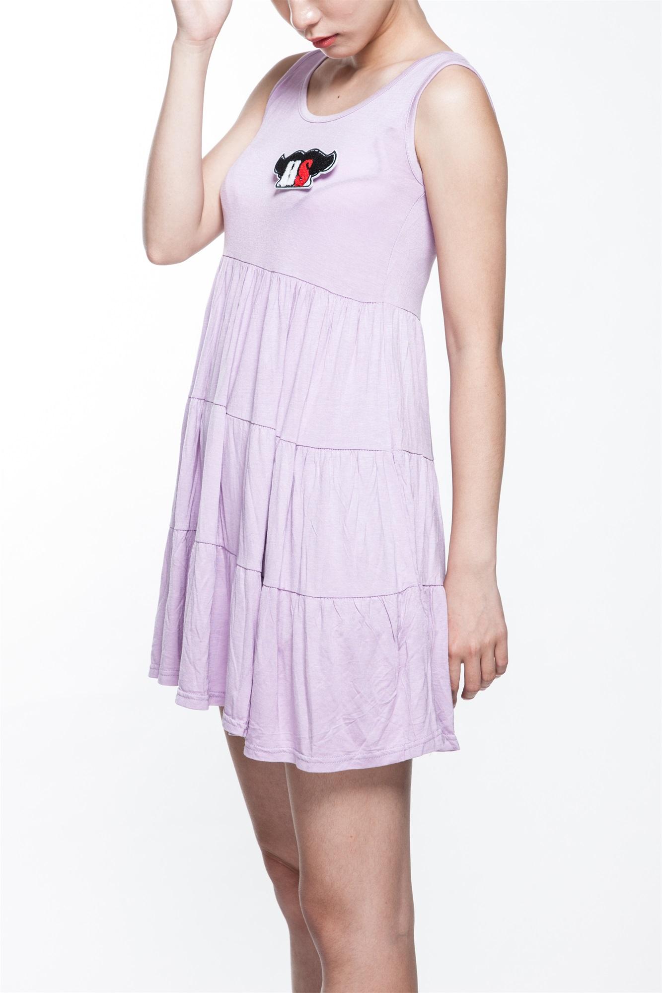 吊带连衣裙