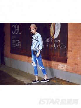 时尚刺绣蓝印花牛仔衬衫