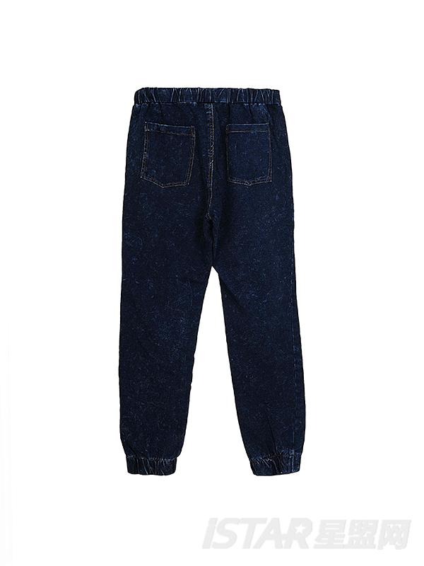 水洗休闲牛仔裤