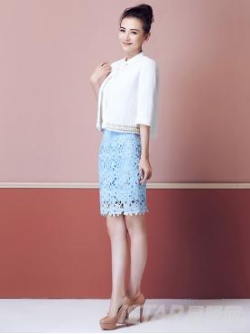 天空蓝镂空水溶蕾丝半身裙