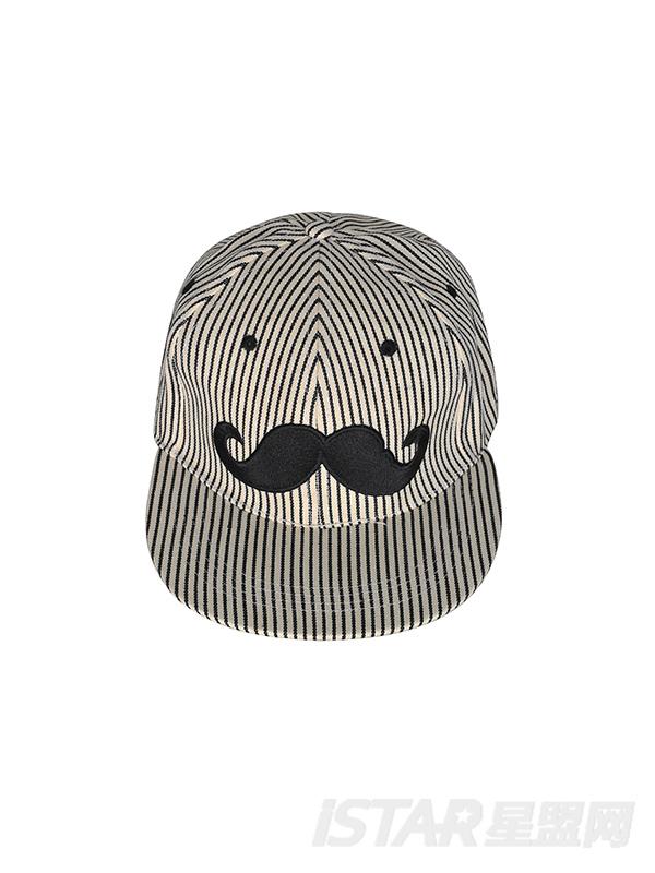 小胡子棒球帽
