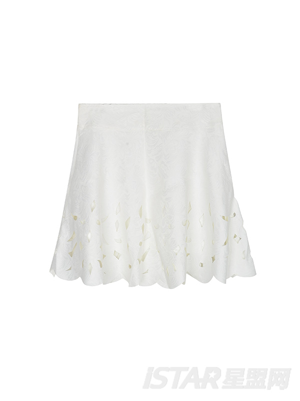 白色镂空花瓣伞裙