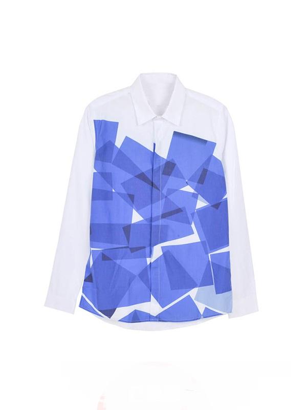 蓝色印花闪亮衬衫