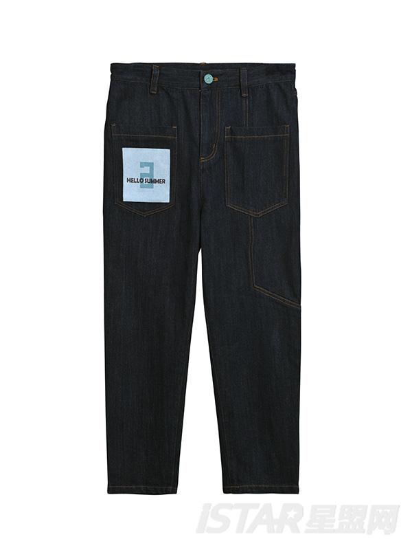 街头小脚牛仔裤