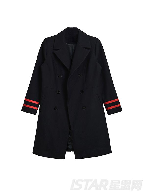 西装双排扣设计大衣