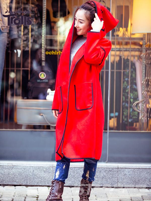 线条边装饰长款外套