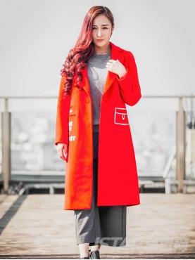温暖桔色时尚印花字母舒适保暖风衣