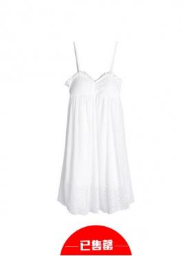 可爱蕾丝吊带连衣裙
