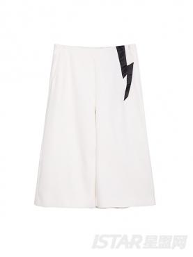 不对称口袋装饰设计七分裤