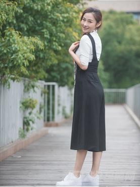 经典黑时尚简约纯棉背带裤裙