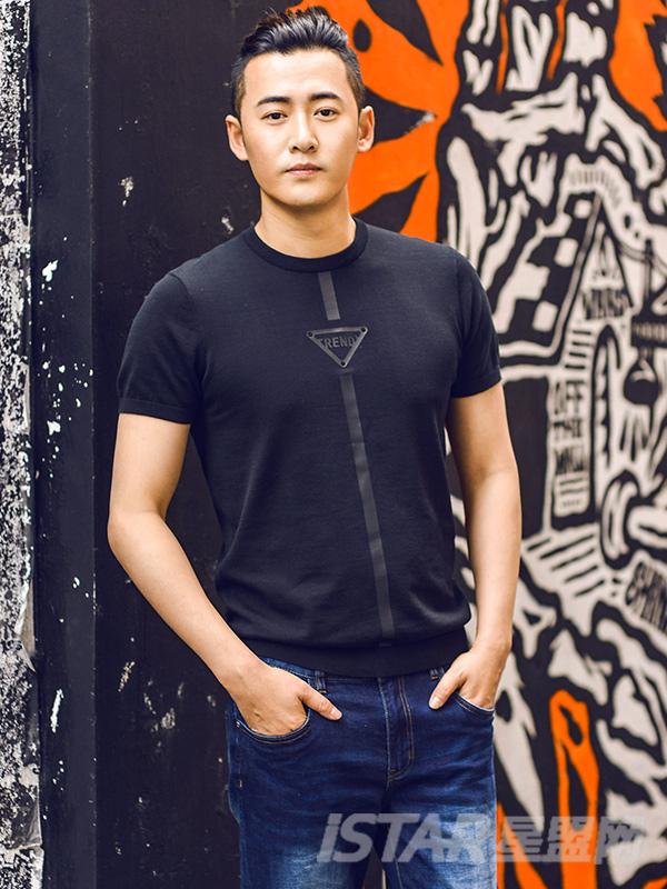 休闲圆领时尚印花短袖针织纯棉T恤
