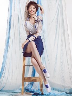 优雅白时尚抽象印花装饰真丝上衣