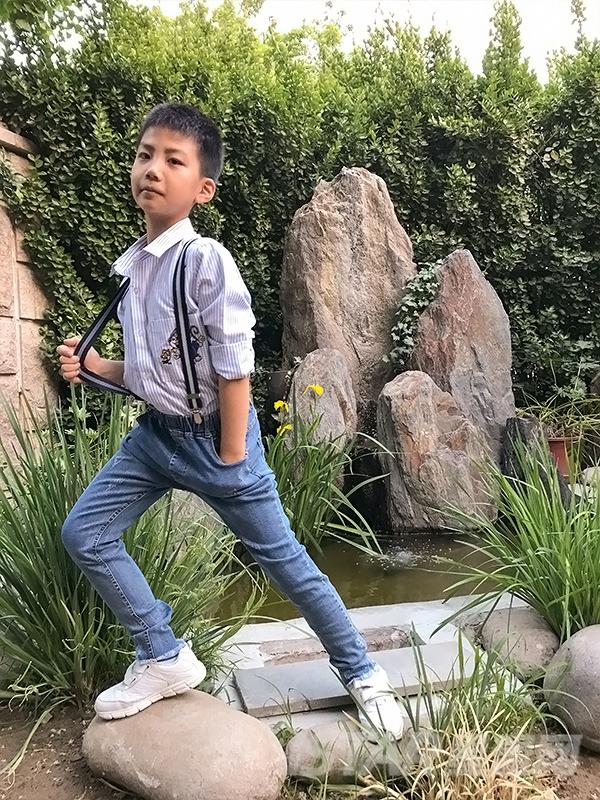 MR.HU品牌牛仔背带裤