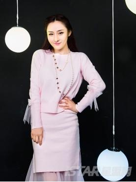 甜美粉针织网纱拼接舒适优雅套装裙