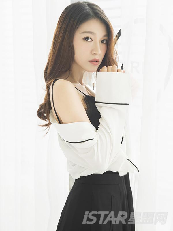 黑白法式短裙套装