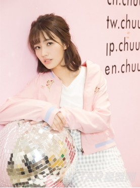 温馨浅粉精致刺绣可爱少女风棒球服外套