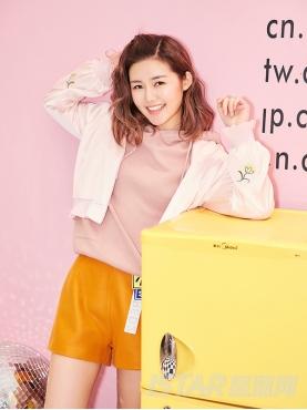 甜美粉精致花朵刺绣装饰时尚休闲棒球外套