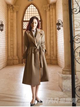 经典深棕色时尚麻感长呢秋冬大衣