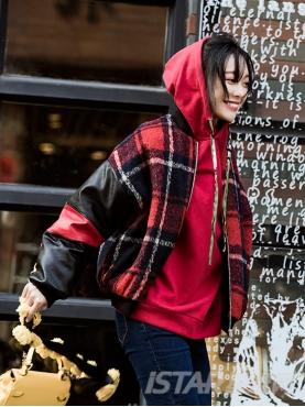 Oversize版型红黑格子PU拼接撞色休闲潮流棒球服