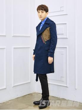 英伦翻领藏蓝色防风防雨大衣外套