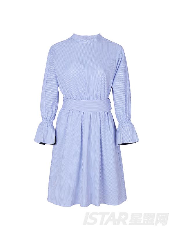 圆领喇叭袖条纹收腰连衣裙