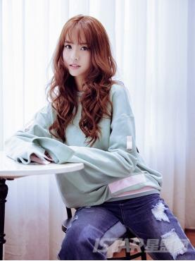 清爽浅绿个性袖子拉绳设计纯棉长袖休闲舒适卫衣