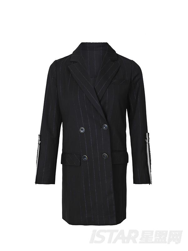 深色条纹西装套装