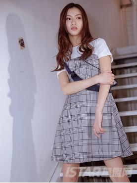 青春格子纹荷叶边装饰假两件T恤连衣裙