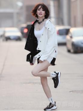 经典黑白时尚拼接毛边牛仔舒适短裤