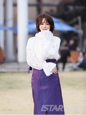 优雅紫色独特光感面荷叶边开叉半裙