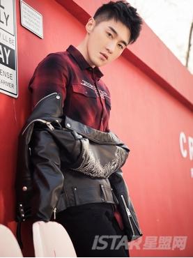 经典红黑格纹时尚字母胶印修身舒适时尚衬衫