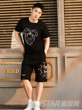 时尚斗牛犬烫钉元素装饰运动休闲抽绳短裤