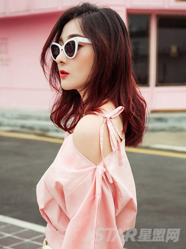 蝴蝶结性感露背上衣水粉色吊带背心女短款