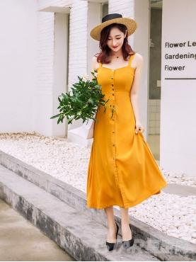 复古黄收腰显瘦吊带露背连衣裙