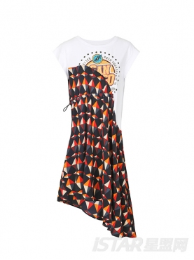 时尚T恤拼接碎花元素个性不规则裙摆舒适时尚连衣裙