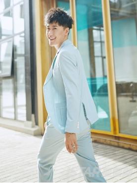 经典条纹微弹压褶口袋设计优雅薄荷绿时尚翻领西服外套