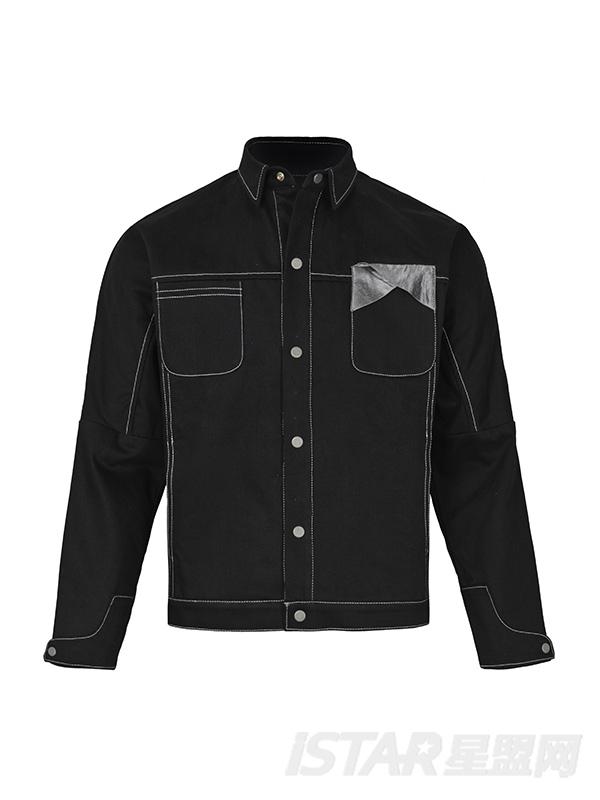 黑色布块拼接廓形外套