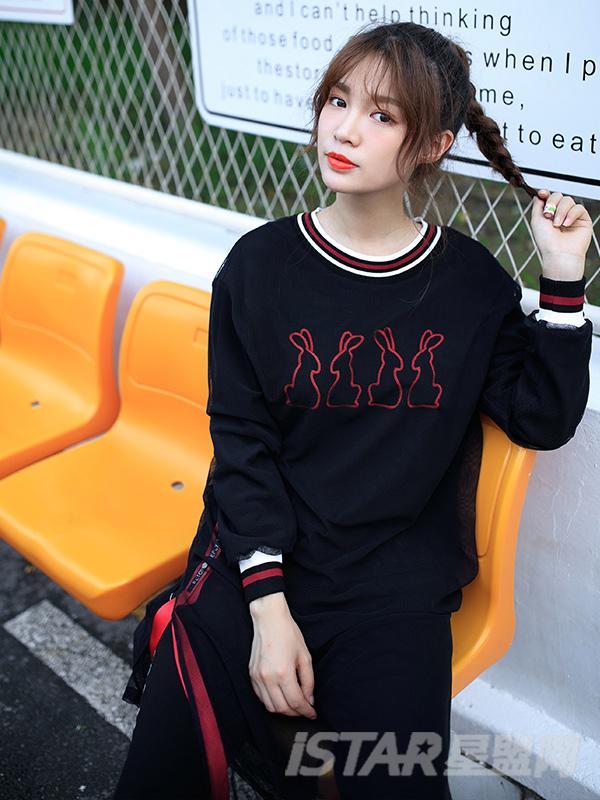 纱网刺绣黑色里短外长卫衣