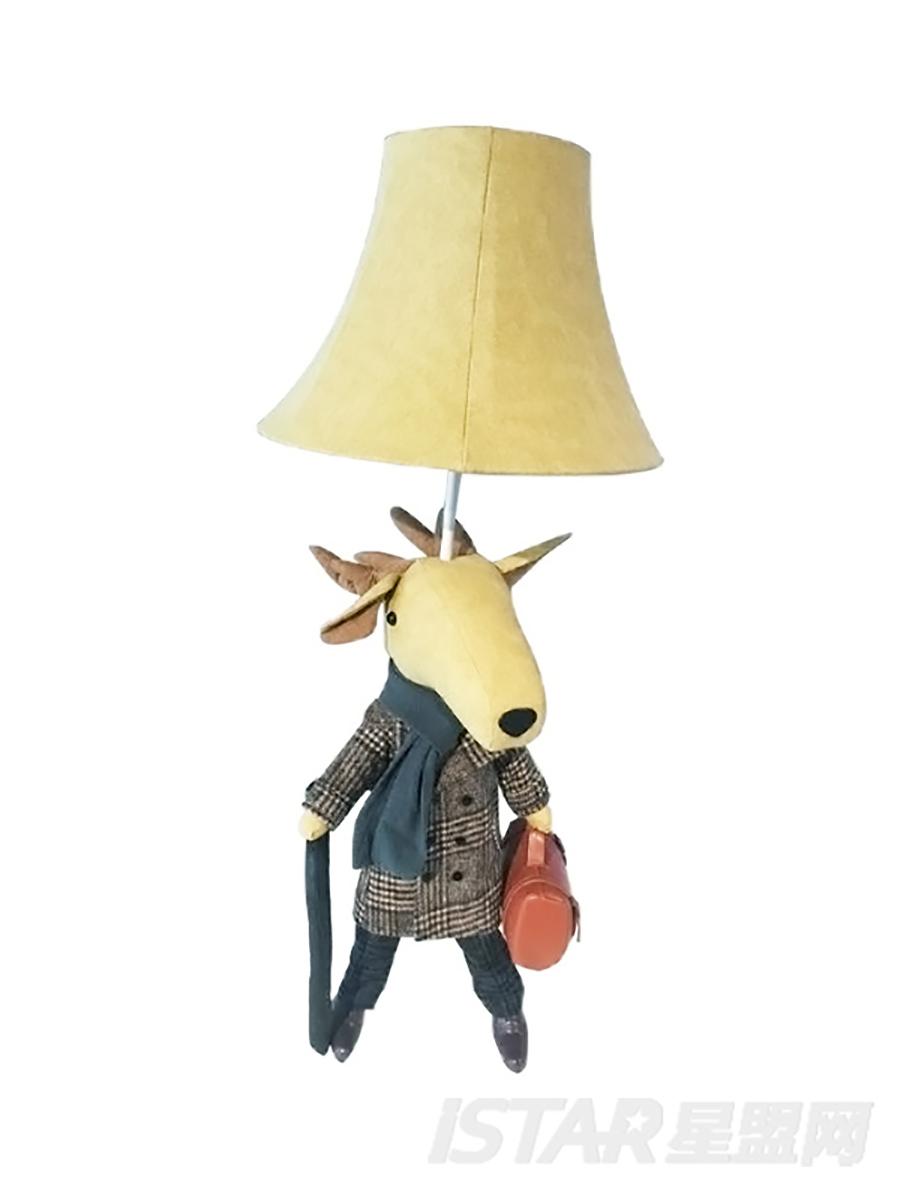 三脚鹿落地台灯