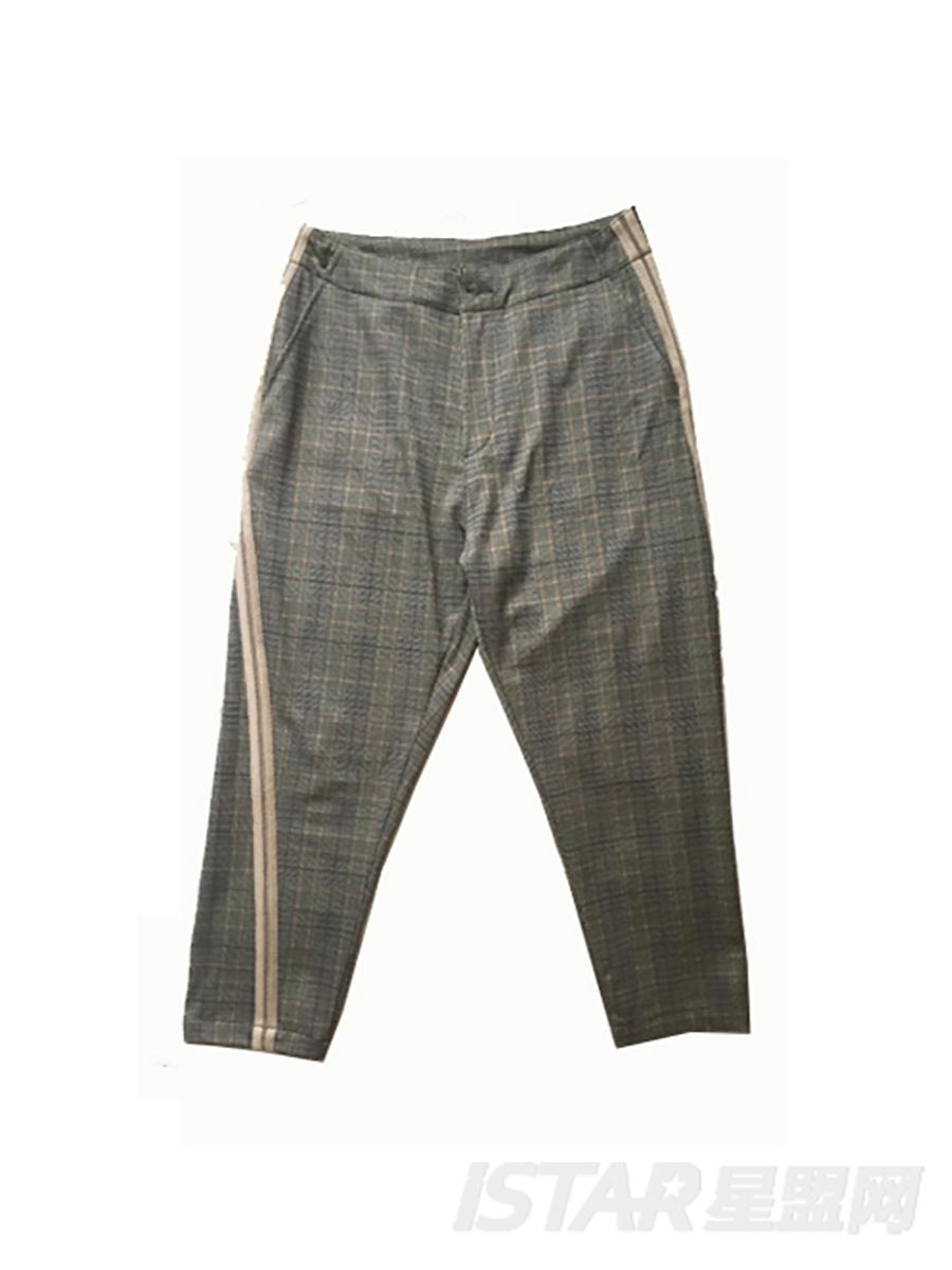 格纹西装裤子