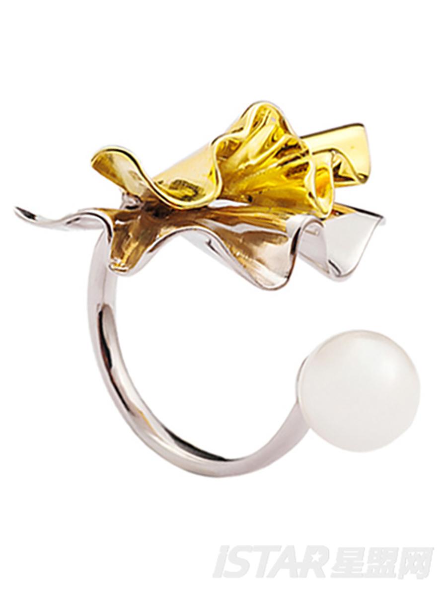 SECRET GARDEN 系列    珍珠花瓣戒指