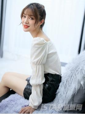 优雅米色时尚露肩长袖休闲舒适防晒上衣