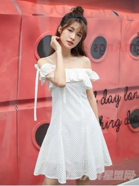 优雅米个性不对称露肩吊带甜美休闲连衣裙