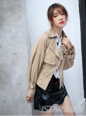 经典卡其时尚收腰收袖口设计简约大气短款外套