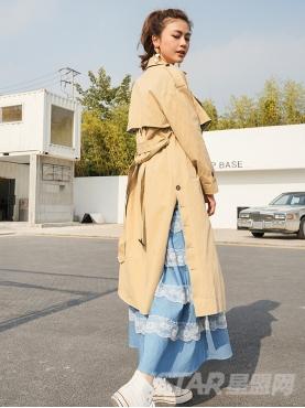 撞色波点元素时尚大领简约休闲风衣